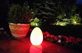 Lampa ogrodowa LED w kształcie dużego jajka. Przenośna i indukcyjna, różne kolory.