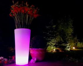 Lampa dekoracyjna LED RGB w kształcie dużej donicy