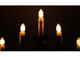 Świecznik adwentowy na 7 plastikowych świeczek - światło LED  w kolorze ciepłym białym