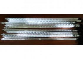 Płynące sople LED - efekt deszcz meteorytów