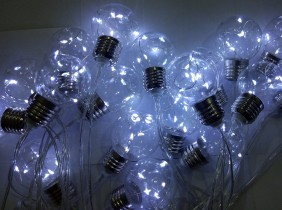Lampki ogrodowe LED, 6 diod w każdej żarówce, 20 żarówek zimny biały